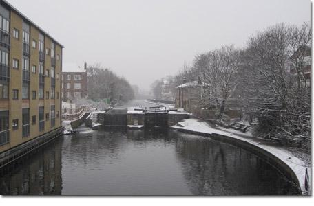 London Fields view of Regents Canal